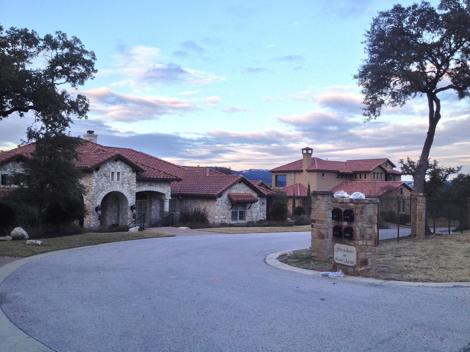 Lake austin neighborhoods lake austin living for Austin house